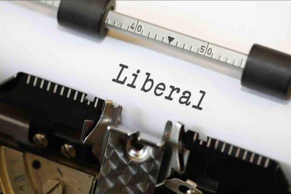 Liberal auf der Schreibmaschine